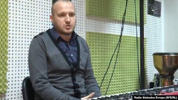 Inicijatori ideje benda 'Divanhana' bila je grupa studenata Muzičke akademije u Sarajevu: Neven Tunjić