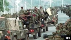 NATO trupe na kosovsko-makedonskoj granici, juni 2009.