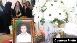 دیدار زهرا رهنورد با خانواده احمد نعیمآبادی در شهریور ۸۹