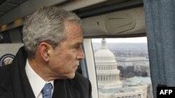 Жорж Буш АКШ кайрадан ЮНЕСКО мүчөлүгүнө өтө тургандыгын 2002-жылдын 12-сентябрында билдирген.
