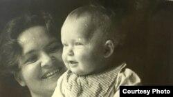 Лииви с мамой. Когда они были еще вместе