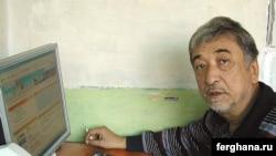 Сурат Икрамов Ташкендеги кеңсесинде