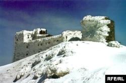 Через вигляд узимку обсерваторію на горі Піп Іван називають іще «Білим слоном»