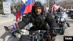 """Лидер """"Ночных волков"""" Александр Залдостанов (""""Хирург"""")"""