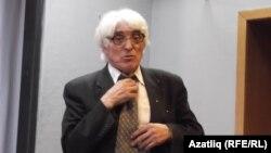 Филология фәннәре докторы Рәиф Әмиров