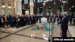 Armenia -- President Serzh Sarkissian visits the country's Central Bank for an end-of-year reception, Yerevan, 26Dec2014