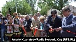 У Луганську відкрили музей «короля футболу» Пеле