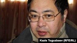 Гражданский активист Ермек Нарымбаев, подавший иск против Первого канала «Евразия».