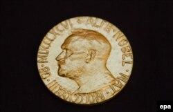 Нобелевская медаль, заочно врученная китайскому диссиденту Лю Сяобо