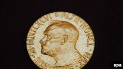 Нобелевская медаль. Иллюстративное фото.