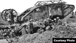 Один из первых британских танков.