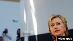 Американские эксперты подозревают, что электронная переписка Хиллари Клинтон также была похищена российскими хакерами