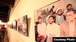 از عکسهای حسن سربخشیان در نمایشگاه کوالالامپور.