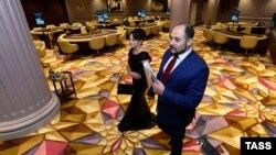 На открытии крупнейшего в России казино, Владивосток, 12 ноября 2015 года.