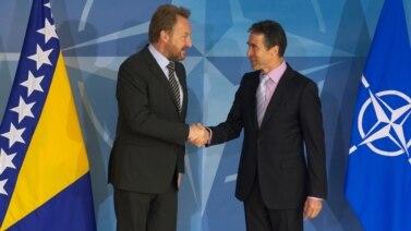 Bakir Izetbegović sa generalnim sekretarom NATO Andersom Foghom Rasmussenenom, ilustrativna fotografija