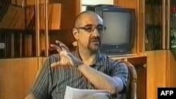 کیان تاجبخش در برنامه «به اسم دمکراسی» که از تلویزیون دولتی ایران تحت عنوان «اعتراف» پخش شد.