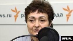 Борбор Азия боюнча таанымал адис, Орусиядагы «РИА-Новости» маалымат агенттигинин эксперттер кеңешинин мүчөсү, журналист Санобар Шерматова. 2009-жылдын 30-июлу.