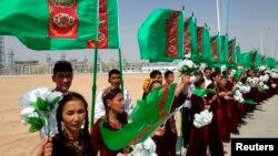 Türkmenistan. Çärä gatnaşýan raýatlar. Arhiw suraty