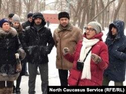 Гид Яна Мартиросова с энтузиазмом рассказала об основателях парка