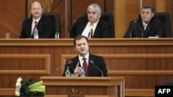 Moldova's new prime minister, Vlad Filat, speaking to parliament today.