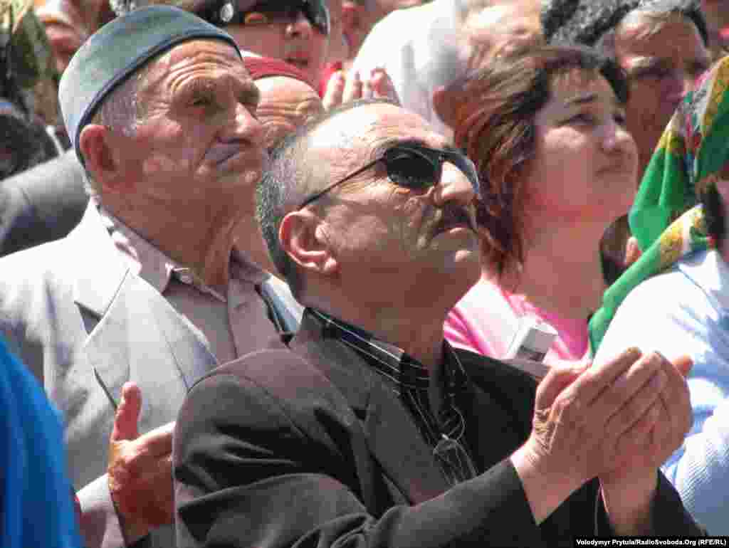 У травні 1944 року радянська влада масово депортувала кримських татар із Криму в Середню Азію, Сибір і на Урал. У роки Другої світової війни також були виселені кримські болгари, вірмени, греки та німці.