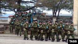 Российская армия продолжает нести потери из-за неуставных отношений между солдатами