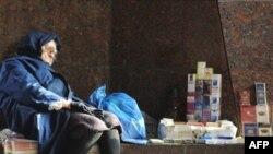 Пока парламент обсуждает падение доходов населения, остальные украинцы учатся на них жить