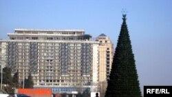 Главная Новогодняя елка страны на площади Азадлыг, 25 декабря 2008 года