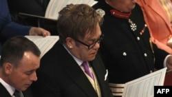 Elton John (sağda) və David Furnish (solda)
