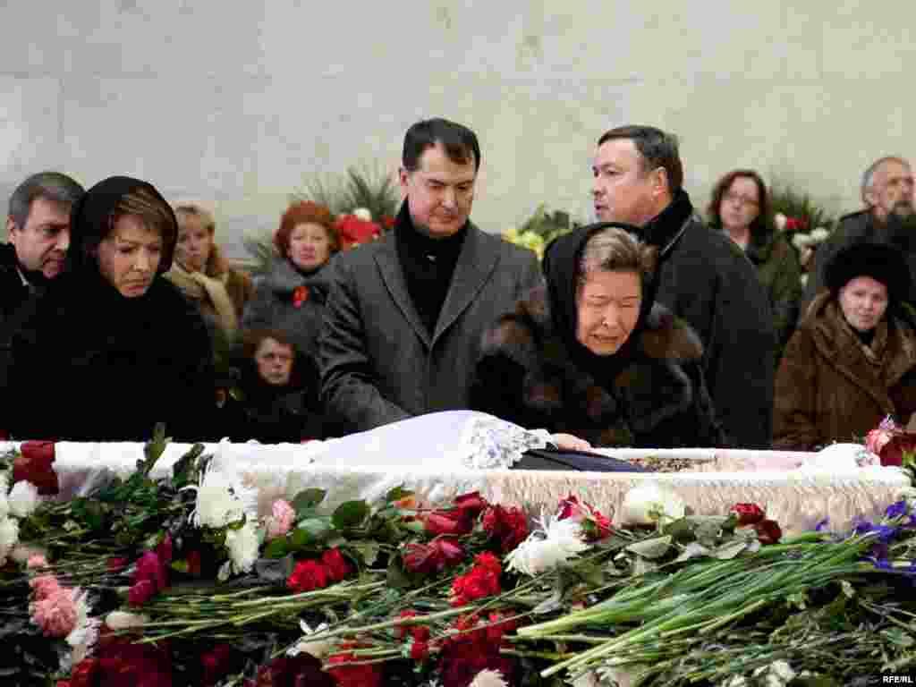 Наина Ельцина и Татьяна Дьяченко