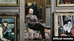 Negustorul de arme colectționar de artă Emil Bührle în mijlocul colecției sale (Getty Images)