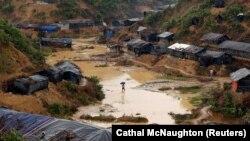 Kamp i refugjatëve Rohingya në Bangladesh.