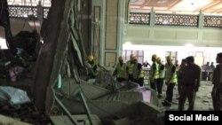 На месте падения крана в Мекке образовалась большая дыра.