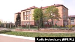 Школа, в якій колись навчався український президент-втікач Віктор Янукович
