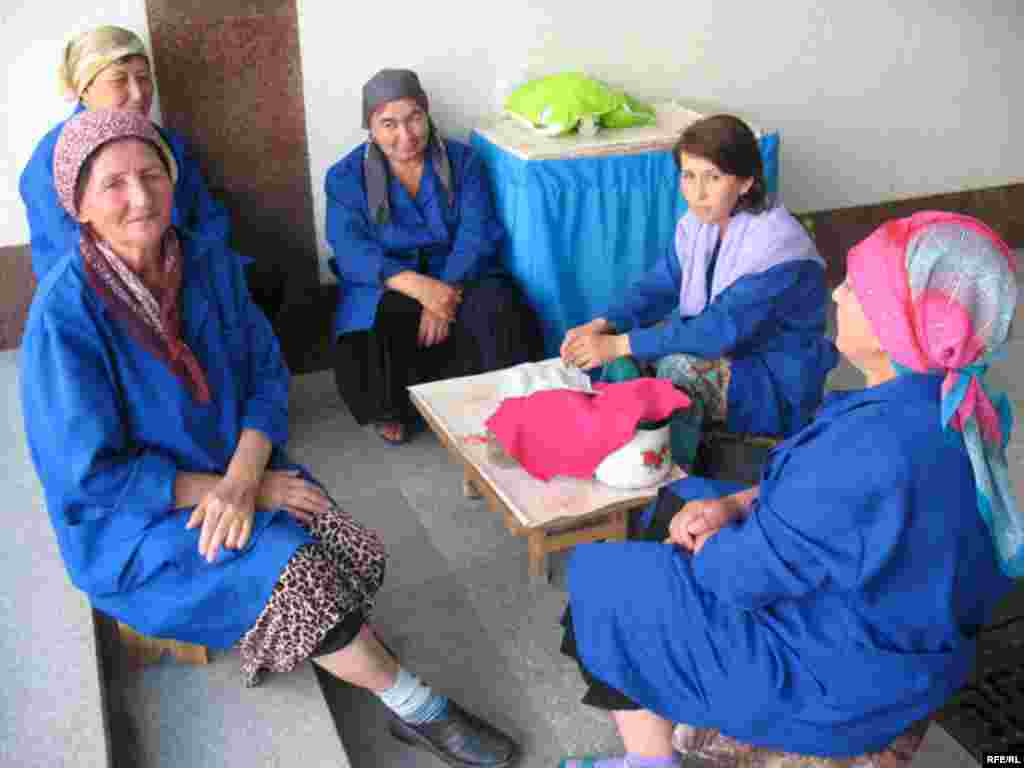 Uzbek Women Today #30