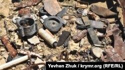 Брошенные находки при раскопках на территории батареи