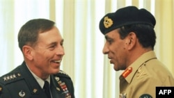 Pakistan's Army Chief General Ashfaq Kayani (right) meets with U.S. General David Petraeus in Islamabad.