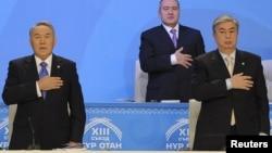 Нурсултан Назарбаев (слева) и Касым-Жомарт Токаев в 2011 году.