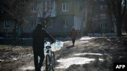 Местные жители в Донецке. Февраль 2015. Иллюстрационное фото