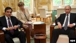 Путин встретился в Париже не только с премьером Франции Франсуа Фийоном, но и с президентом Николя Саркози.
