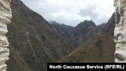 Вид на ущелье из Цой-Педе