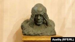 Андрей Сахаров бюсты