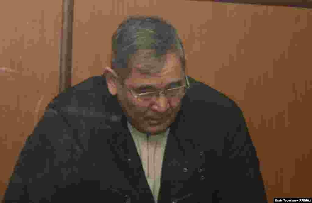 30 декабря в Алматы был вынесен приговор бывшему начальнику управления погранвойск КНБ «Батыс» генерал-майору Абдырзаку Ильясову и трем его подчиненным по обвинению в совершении коррупционных преступлений, организации преступной группы и превышении должностных полномочий. Суд приговорил Ильясова к 13 годам тюрьмы. Абдырзак Ильясов — первый в Казахстане действующий генерал КНБ, оказавшийся под уголовным преследованием.