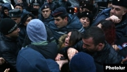 Armenia - Supporters of Artur Sargsian scuffle with riot police in Yerevan, 16Mar2017.