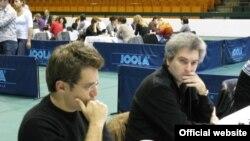 Левон Аронян (слева)