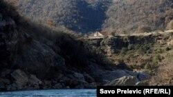 Mali i Zi - Kanjoni i lumit Moraça