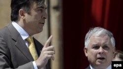 Polşa prezidenti Kaçinski Gürcüstan üçün ağır 2008-ci ildə Tbilisiyə gəlmişdi