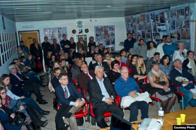 Під час презентації стрічки у Генеральному консульстві України в Неаполі, 29 березня 2017 року, фото Вінченцо Ґуерра