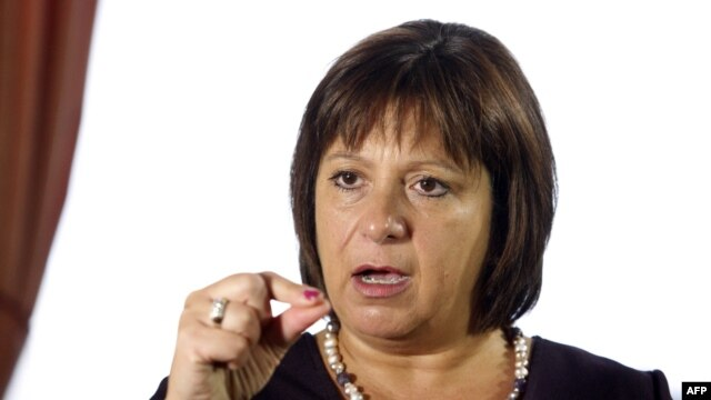 Ukrainian Finance Minister Natalie Jaresko says the IMF has put aid on hold until it sees whether the current government survives.