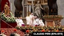Папа Римский Франциск на рождественской мессе, 24 декабря 2019 год